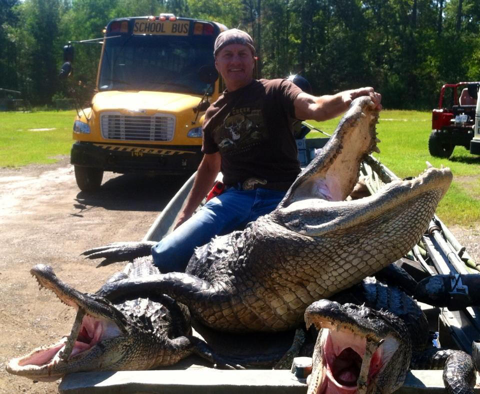 Guided Louisiana Trophy Alligator hunting and lodging with